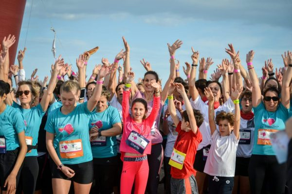 Les filles prêtes à partir pour 7km dans Trouville-sur-Mer