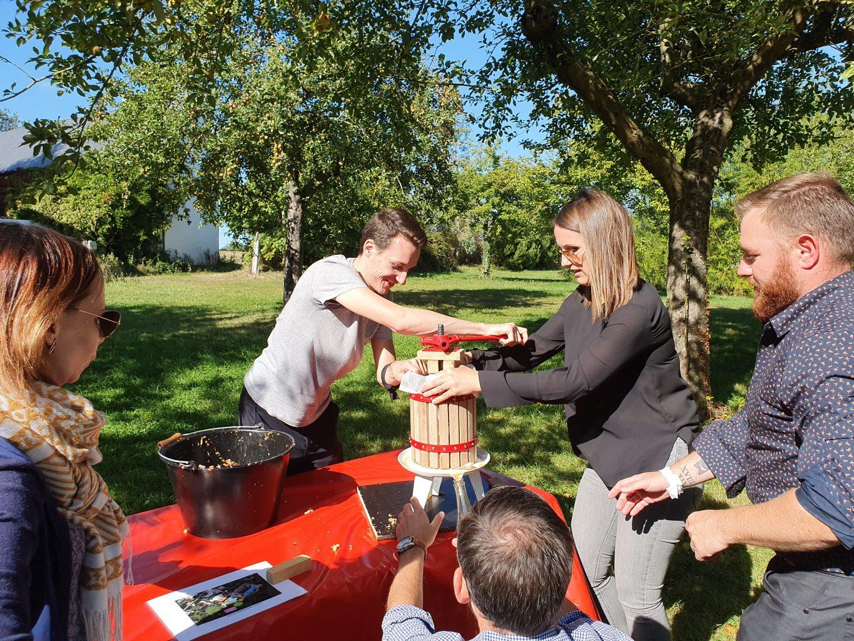 Comme-a-la-ferme-team-building-nature-normandie-cohesion-equipe-pommes