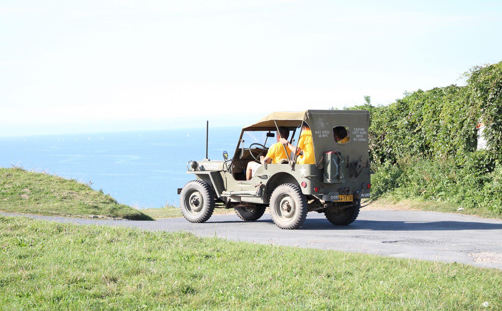 Rallye-DDAY-Debarquement-omaha-beach-sortie-jeep-normandie-Calvados-Caen-mémorial